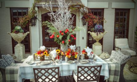 How To Decorate an Outdoor Thanksgiving Table