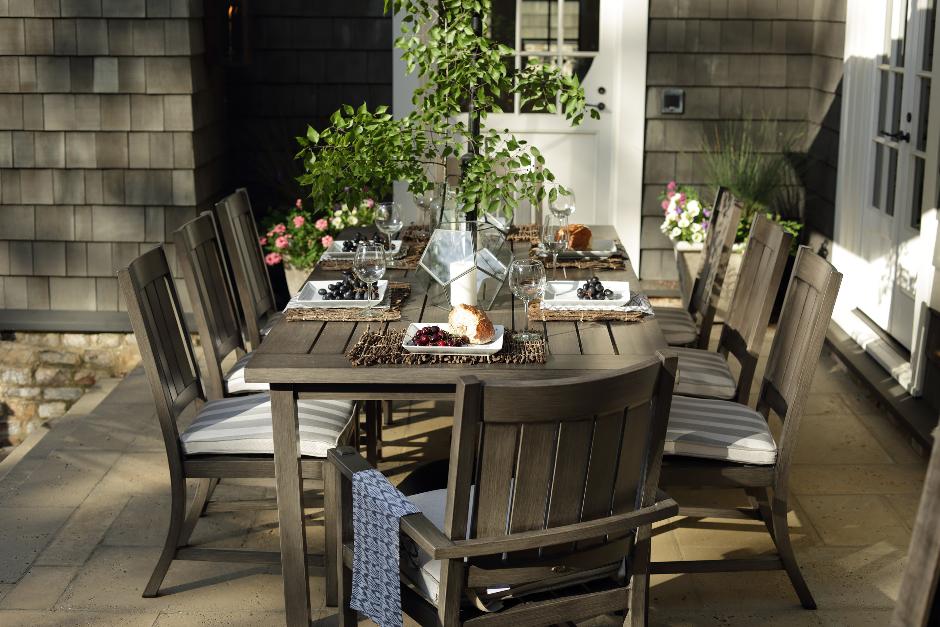 Summer Classics Outdoor Tablescape