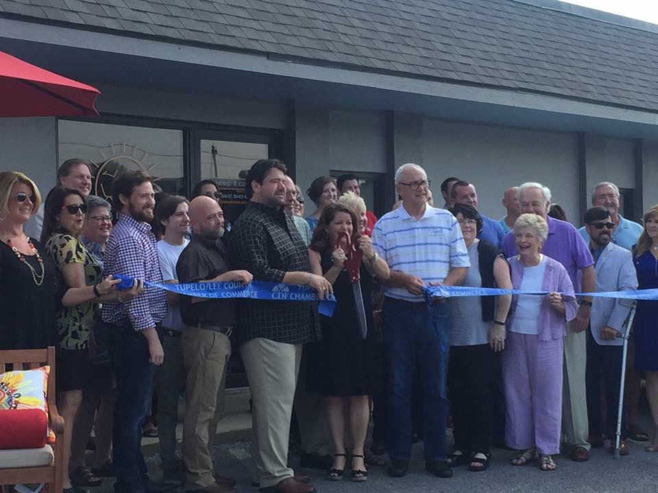 ribbon cutting patio furniture store Tupelo, MS