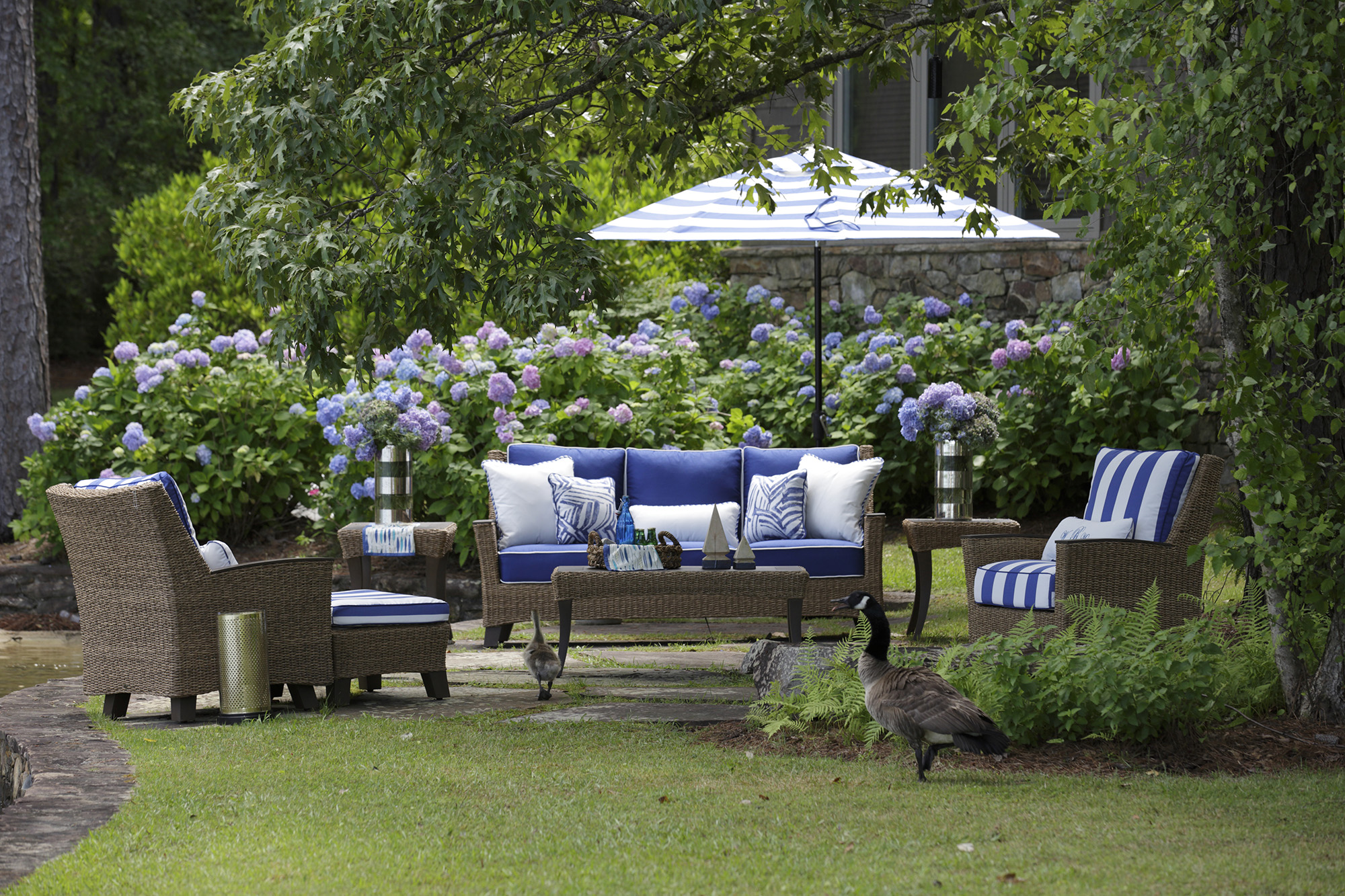 Top outdoor fabric trends for 2016 jacquard damask and for Best material for outdoor furniture