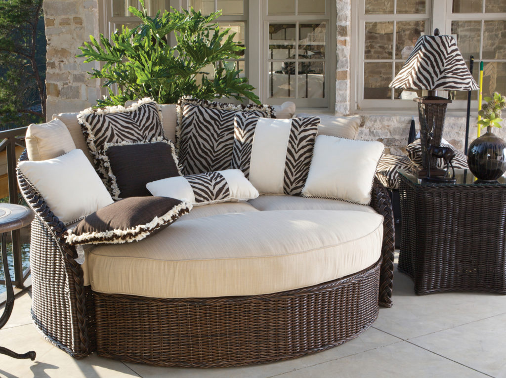 For Maximum Comfort When Spending Time In The Crisp Fall Air Try Our Sedona Day Bed An Outdoor Wicker Furniture Choice