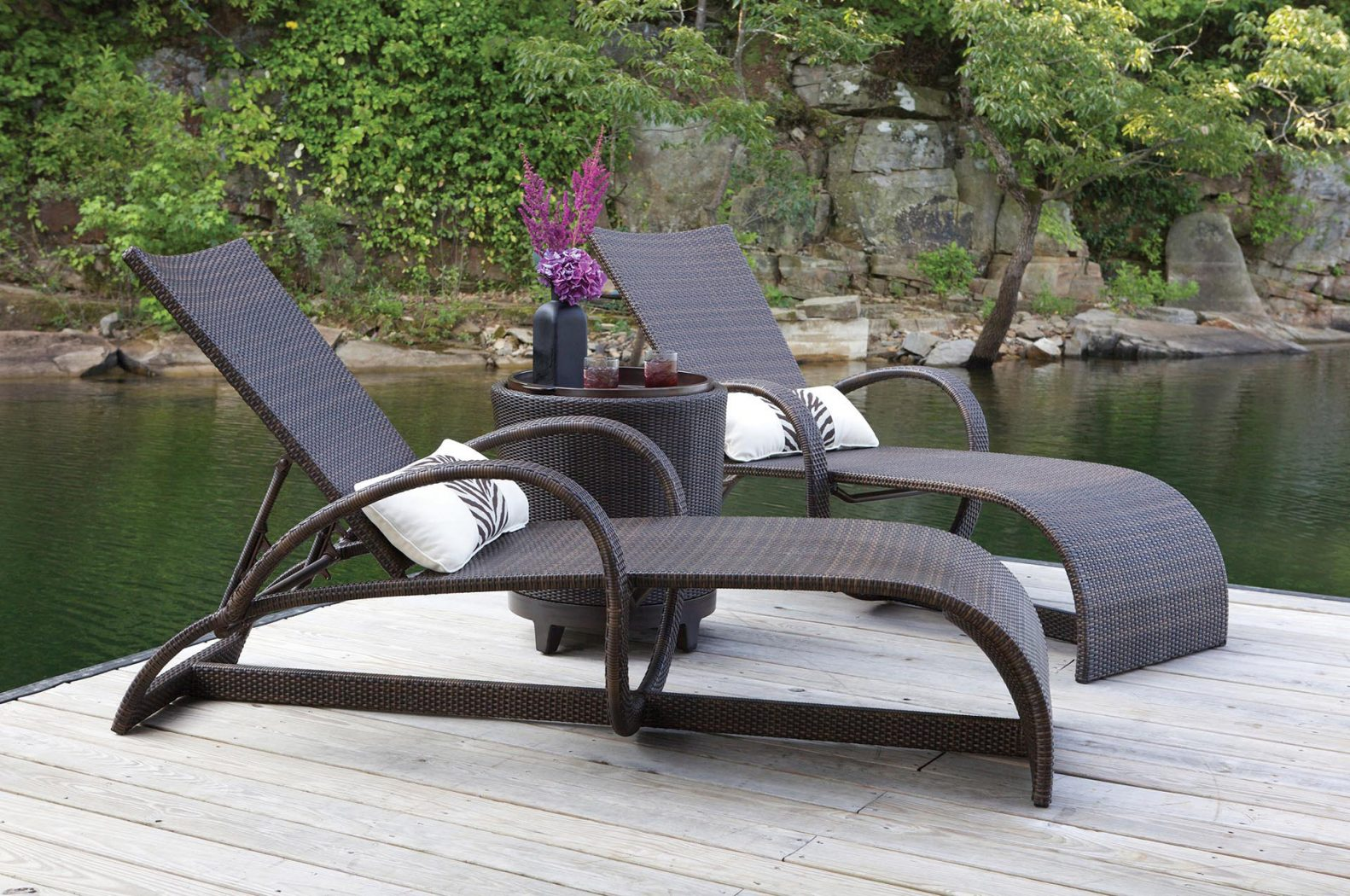 Halo chaise lounges