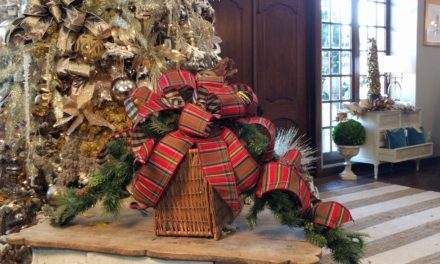 How to Create A Christmas Mailbox Decoration