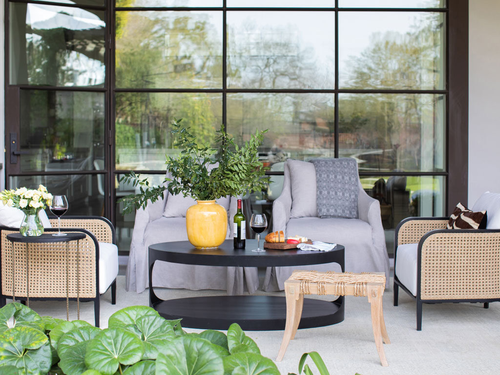 How To Mix And Match Outdoor Furniture Materials Summer Classics