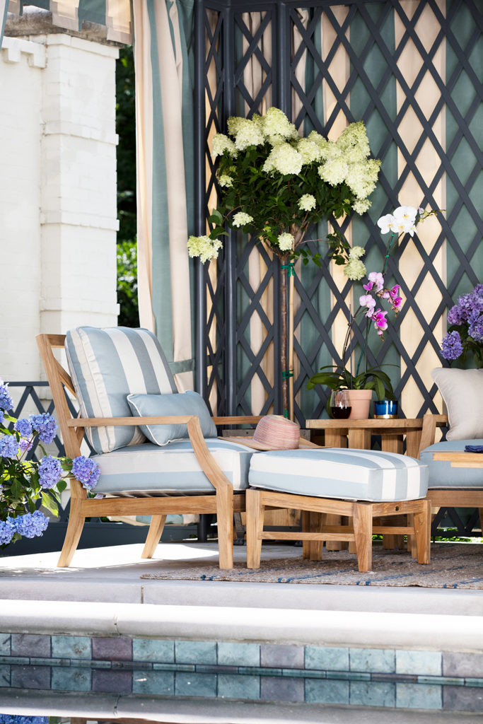 Spring Styled Wooden Patio Furniture